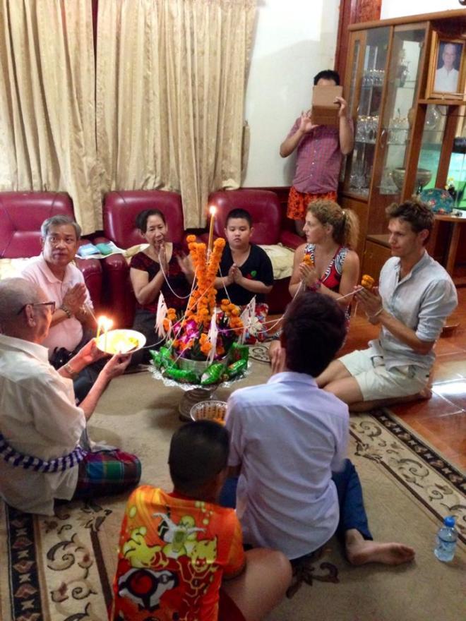 cérémonie traditionnelle Baci, Vientiane, Laos   hintmytrip.com - Blog voyage tour du monde sac-a-dos