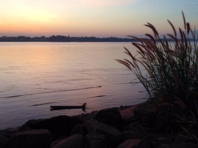 Rives du fleuve Mekong, Paksane, Laos   hintmytrip.com - Blog voyage tour du monde sac-a-dos
