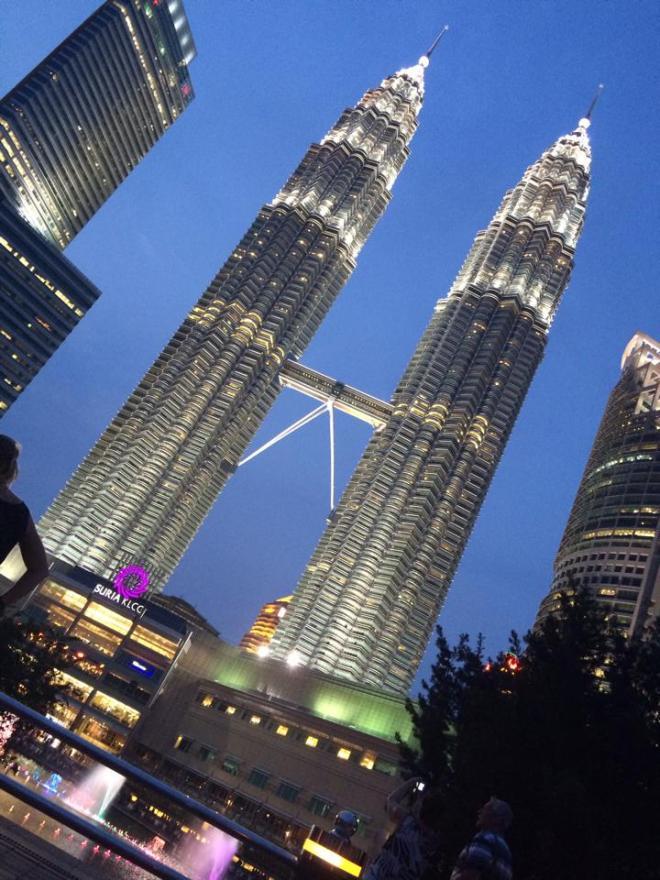Twin Towers Petronas, Kuala Lumpur, Malaisie | hintmytrip.com Blog tour du monde sac-a-dos