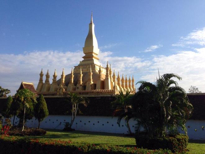 Pah That Luang, Vientiane, Laos   hintmytrip.com - Blog voyage tour du monde sac-a-dos
